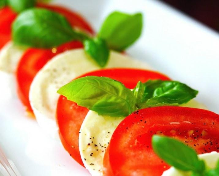 Mozzarella, Tomato & Basil Salad